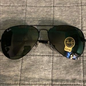 Ray Ban Aviator Sunglasses w. Case